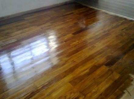 pemasangan lantai kayu Grand Inna Padang