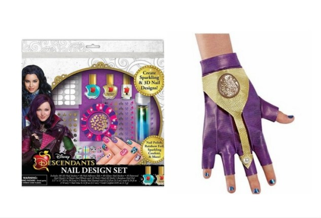 Nail accessory and glove to complete your Mal outfit