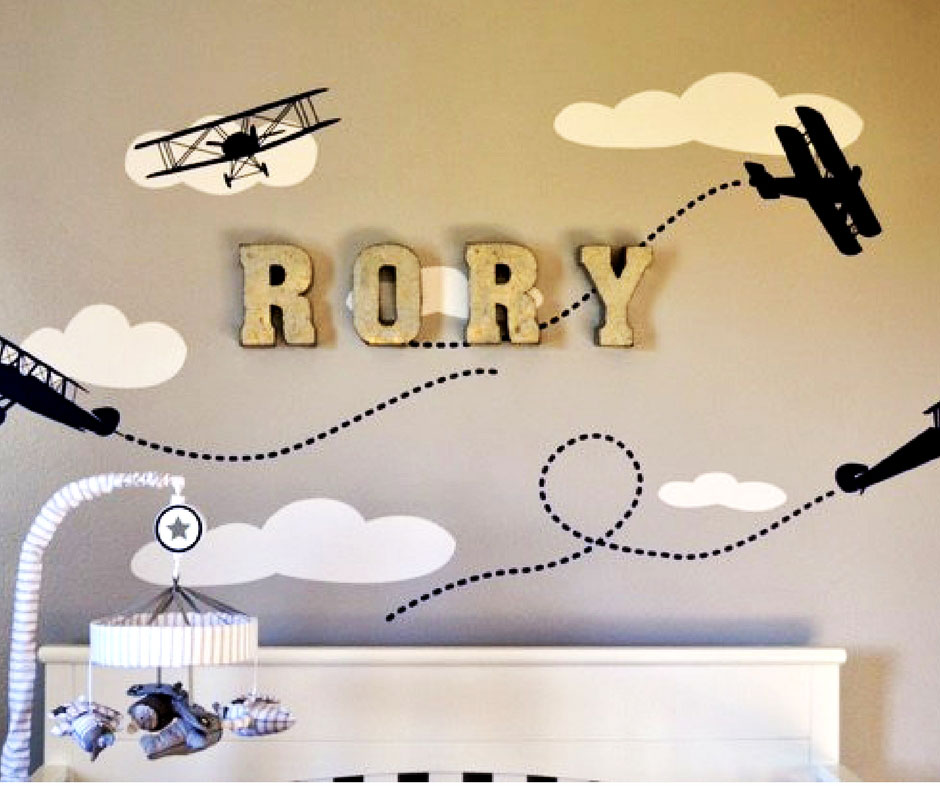 Easy to make wall decal with airplanes and your kids name