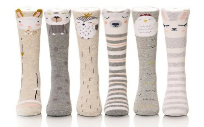 Knee high socks for toddlers with different animal prints. Looks very cute. You can choose between 3 or 6 pairs.