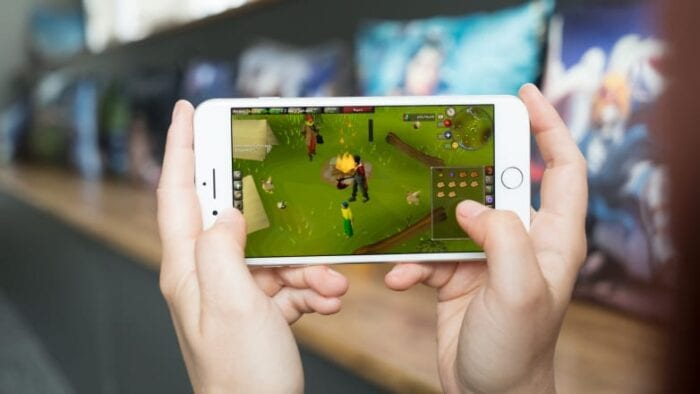 Old School RuneScape being played on a mobile