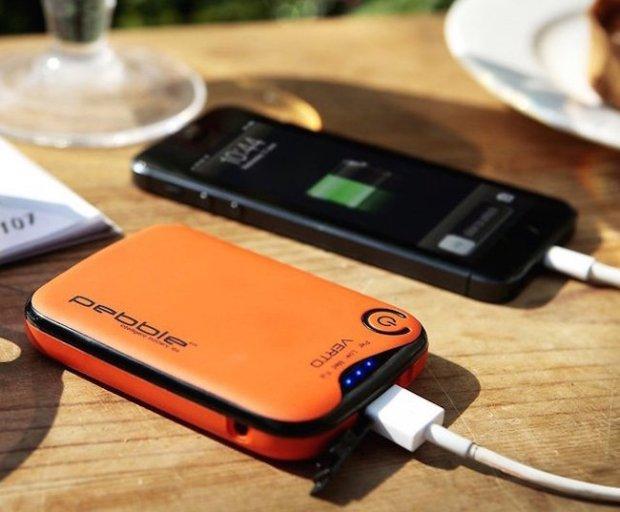 Pebble-Verto-Portable-Battery-Pack1