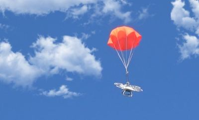 Quadcopter Parachute System Helps Your Drone When Problems Arise