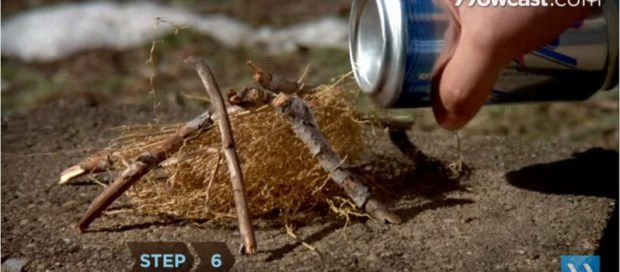 How-to-Start-a-Fire-with-an-Aluminum-Can-a-Chocolate-Bar-3-798x350