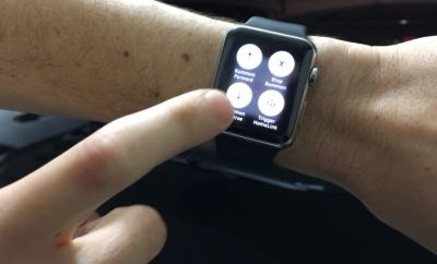 Guy Summon His Tesla With an Apple Watch