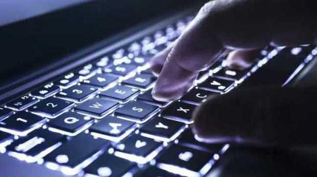 Technology-PC-Keyboard-Gaming