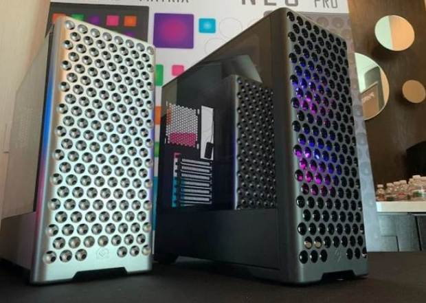Apple Cheese Grater Style PC Case