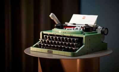 Lego's Vintage Typewriter