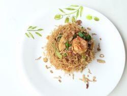 Hawker center food-Singapore style bee hoon goreng