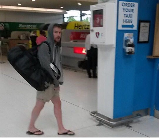 gendry_joe_dempsie_airport