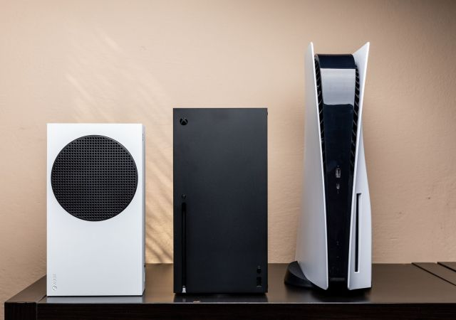 playstation 5 xbox series size comparison