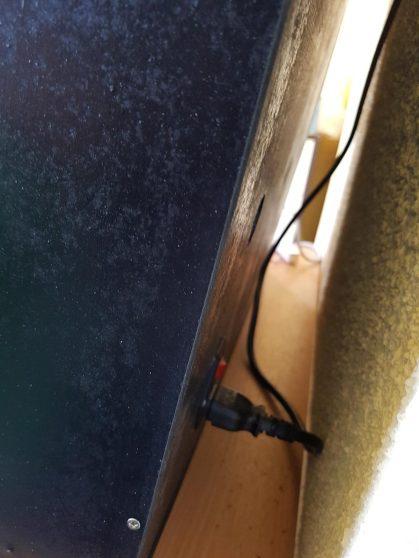 après la photo, on a mis un cable coudé...