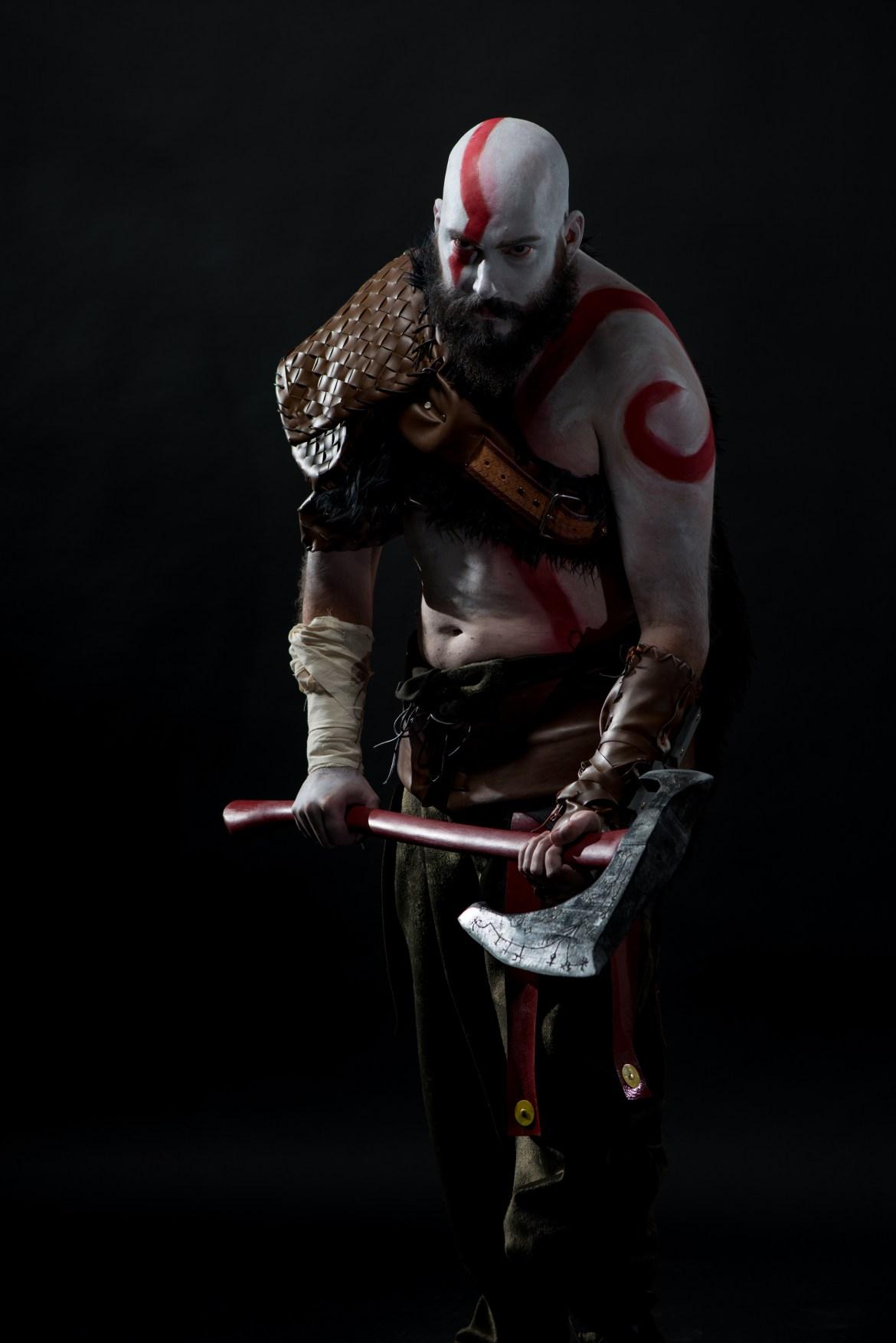 troy-schram-kratos-cosplay-god-of-war-photo-damon-wilson-hart-1-gamersrd