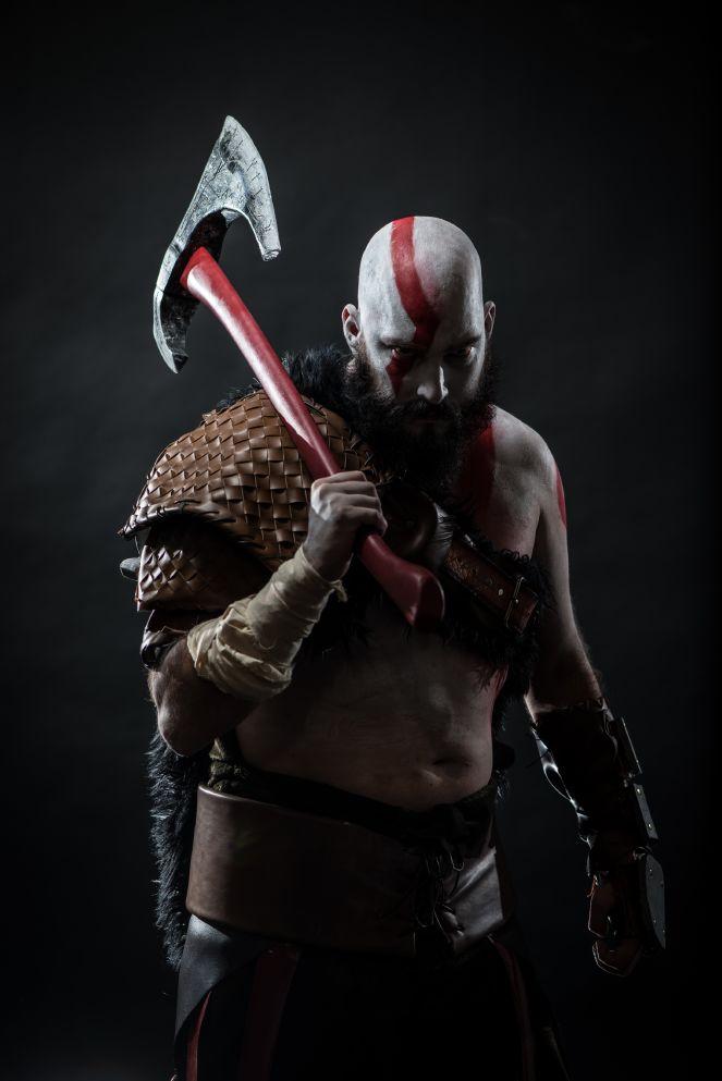 troy-schram-kratos-cosplay-god-of-war-photo-damon-wilson-hart-5-gamersrdtroy-schram-kratos-cosplay-god-of-war-photo-damon-wilson-hart-3-gamersrd