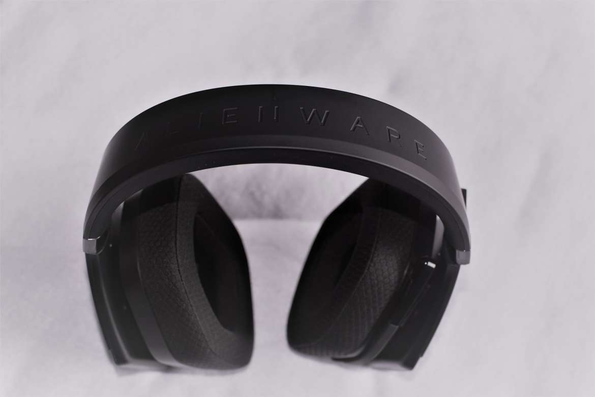 Alienware Wireless Gaming Headset AW988 - 4- Review-GamersRD