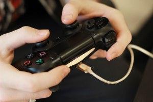 câble-magnétique-manette-PS4 - copie