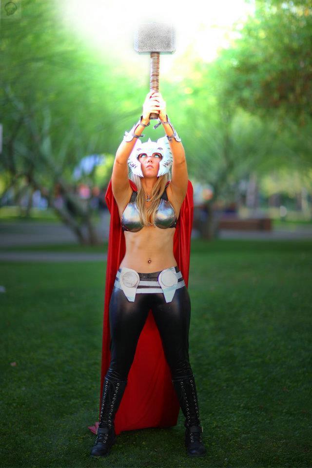182122_224528444334469_1949281100_n Cosplay - Lady Thor #25