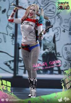 Hot-Toys-Harley-Quinn-1 Suicide Squad - Les figurines de Hot toys