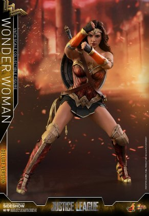 dc-comics-justice-league-wonder-woman-deluxe-sixth-scale-hot-toys-903121-08 Figurine - Wonder Woman Deluxe Version Sixth-Scale Figure