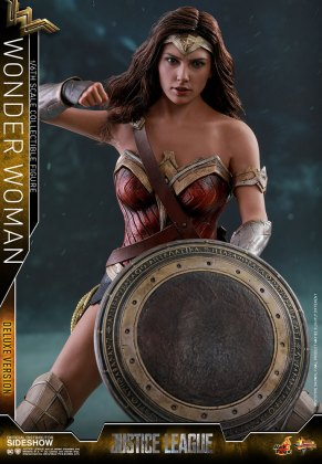 dc-comics-justice-league-wonder-woman-deluxe-sixth-scale-hot-toys-903121-10 Figurine - Wonder Woman Deluxe Version Sixth-Scale Figure