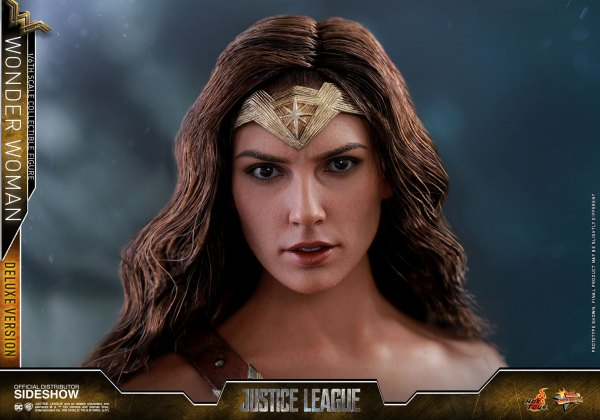 dc-comics-justice-league-wonder-woman-deluxe-sixth-scale-hot-toys-903121-24 Figurine - Wonder Woman Deluxe Version Sixth-Scale Figure