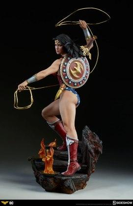 dc-comics-wonder-woman-premium-format-figure-sideshow-300664-05 Figurine - DC Comics Wonder Woman Premium Format