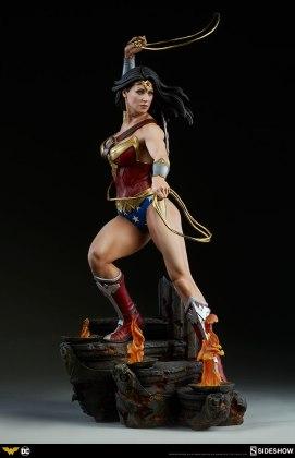 dc-comics-wonder-woman-premium-format-figure-sideshow-300664-11 Figurine - DC Comics Wonder Woman Premium Format