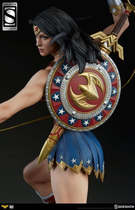 dc-comics-wonder-woman-premium-format-figure-sideshow-3006641-04 Figurine - DC Comics Wonder Woman Premium Format