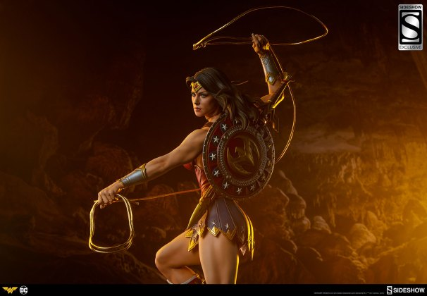 dc-comics-wonder-woman-premium-format-figure-sideshow-3006641-06 Figurine - DC Comics Wonder Woman Premium Format