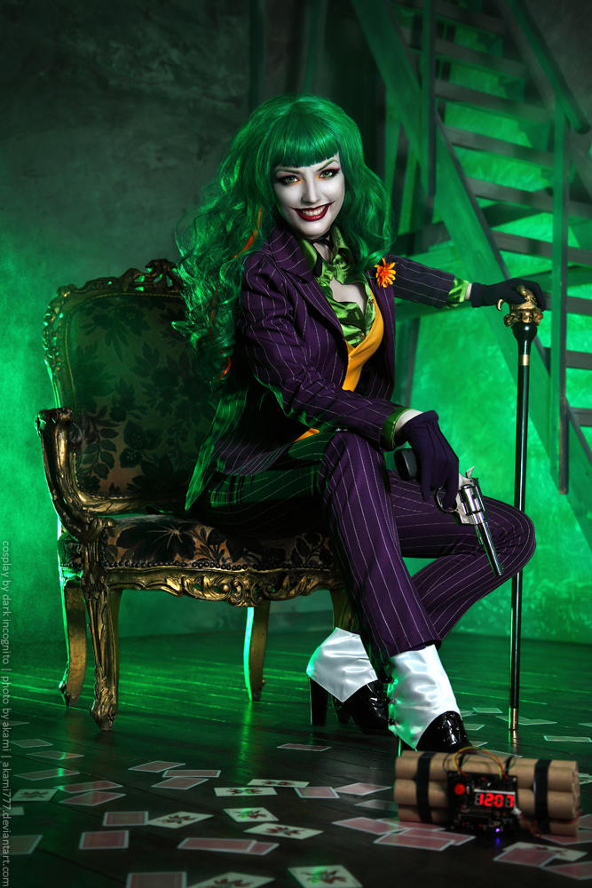 Female-Joker-cosplay-6-by-HydraEvil_499030151 Cosplay - The Joker - DC Comics #171