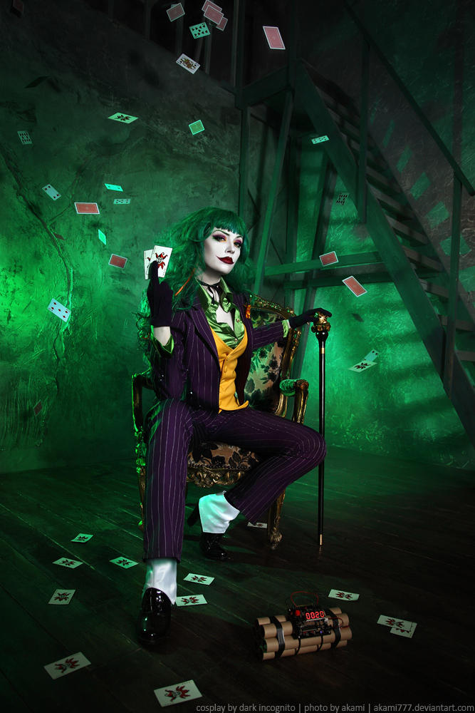 Female-Joker-cosplay-8-by-HydraEvil_499030351 Cosplay - The Joker - DC Comics #171