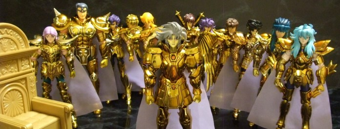 collection-myth-cloth-1024x390 La saga des Myth Cloth - la légendaire gamme de figurines Saint Seiya de Bandai