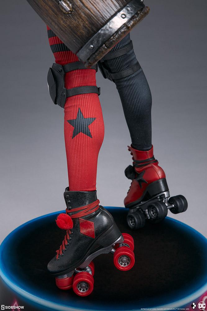 harley-quinn-hell-on-wheels_dc-comics_gallery_5e30bbbe51a26 Figurine - Harley Quinn en roller par SideShow
