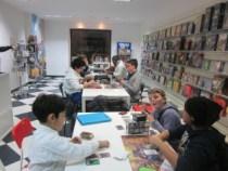 ragazzi giocano yugioh games academy palermo