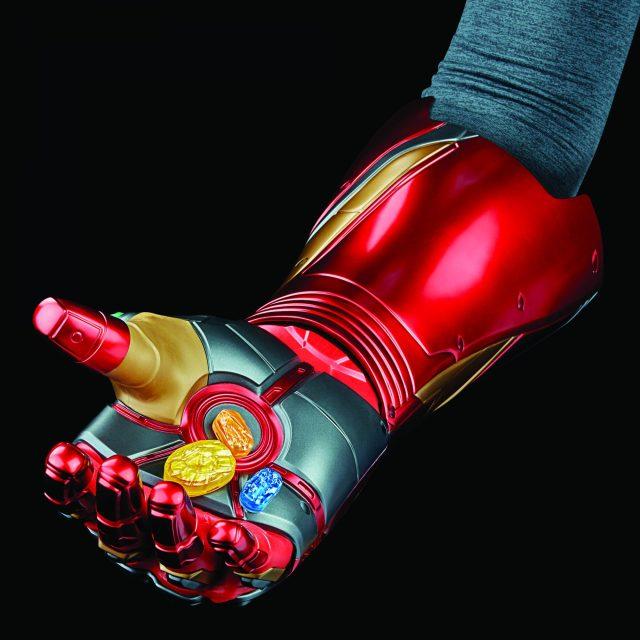 Hasbro Fan Marvel Legends Iron Man Infinity Gauntlet