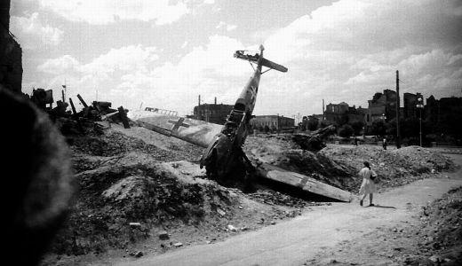 Avião alemão destruído em Stalingrado