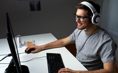 PC Gamer Vs PC Normal