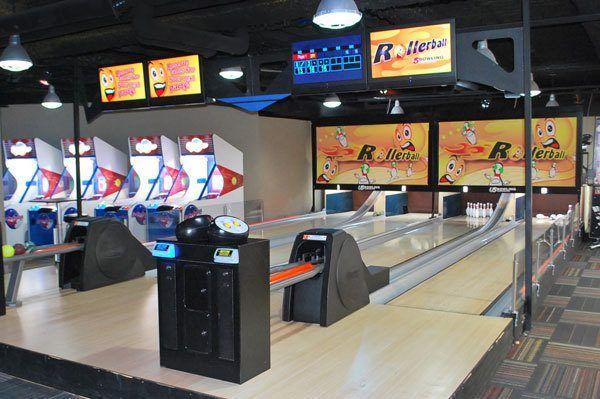 GameTime_Tampa_Mega_Arcade_Mini_Bowling-3