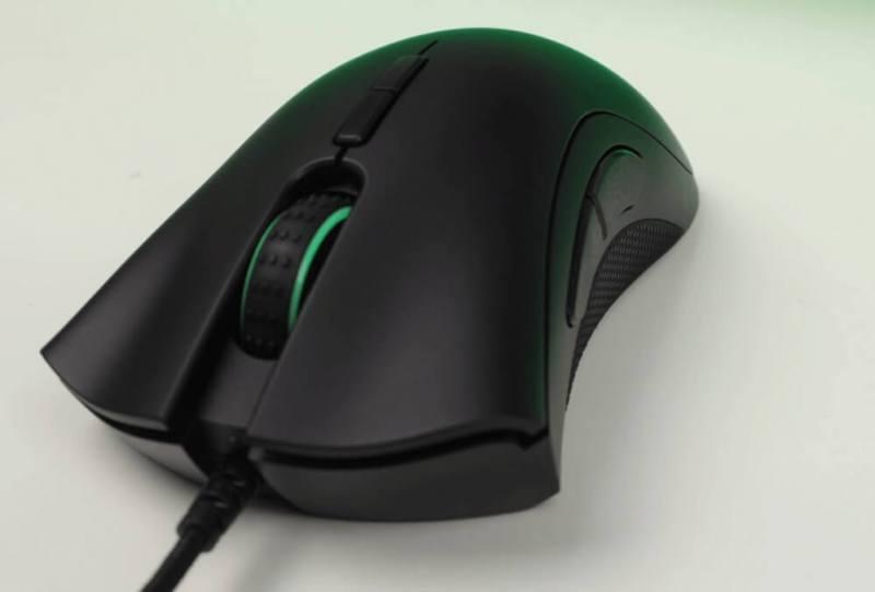 Razer DeathAdder Elite Gaming Mouse (2)