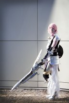 Lightning cosplay from FF XIII-2 in armor with sword