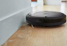Amazon ha ridotto 200 euro questo aspirapolvere Roomba 692 che è possibile controllare con un'applicazione