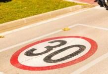 Le ragioni della DGT per imporre da oggi il nuovo limite di velocità in città, sei d'accordo?