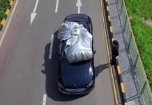 Questo copriauto automatico protegge il vostro veicolo dal sole, dal gelo, dalla neve o dai ladri in 30 secondi