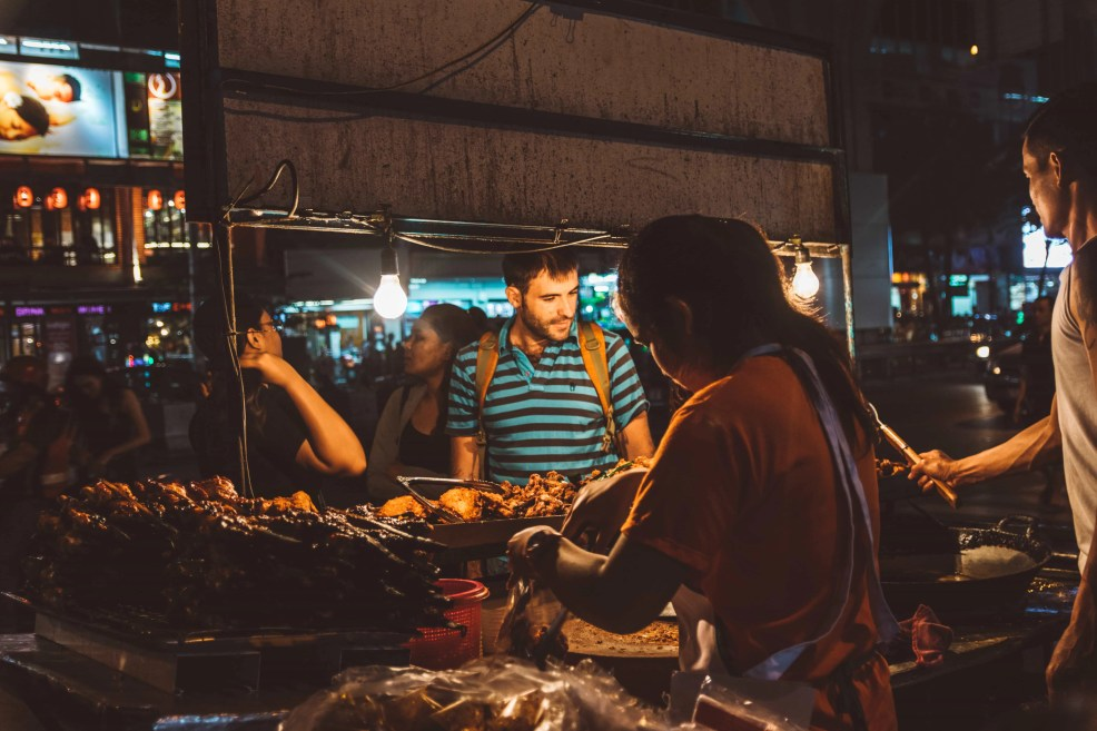 How to get Khao San Road from the airport, How to get Khao San Road, Khao San Road night market, Where to stay in Khao San Road, where to sleep in Khao San Road, what to do in Khao San Road, What to eat in Khao San Road, Unicorn Cafe
