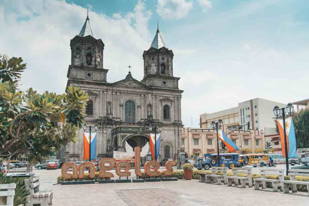 things to do in Angeles city, where to eat in Angeles city, how to get to angesles city, Holy Rosary Parish Church, zoocobia fun zoo, fontana water park, puning hot spring, resorts in angeles city, festivals in Angeles city, where to sleep in Angeles city
