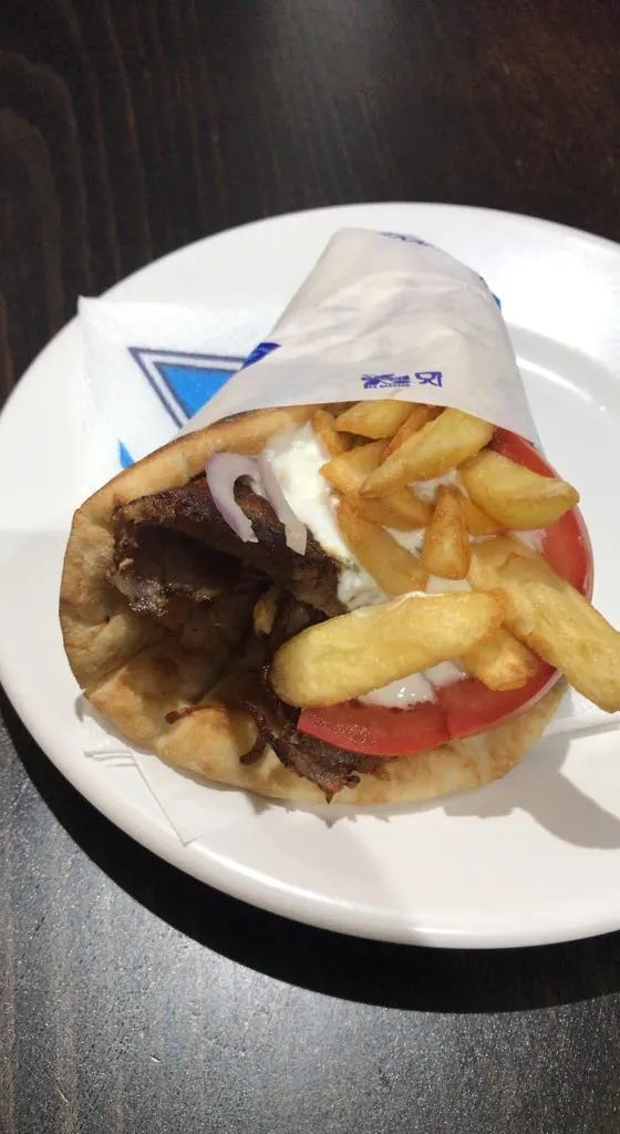 Things to do in Mykonos, Places to visit in Mykonos, Food to try in Mykonos, gyros in mykonos