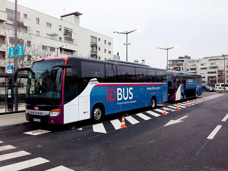 how to get to paris city center from the airport