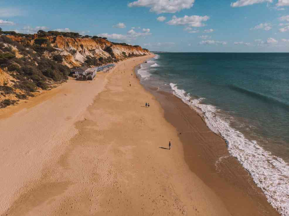 Praia do Barranco das Belharucas, How to get to Albufeira from Lisbon, beaches in   Albufeira, where to stay in Albufeira, best time to   viit Albufeira, where to eat in Albufeira, how to get to Albufeira from Faro airport, Olhos de Agua, beaches in Algarve,