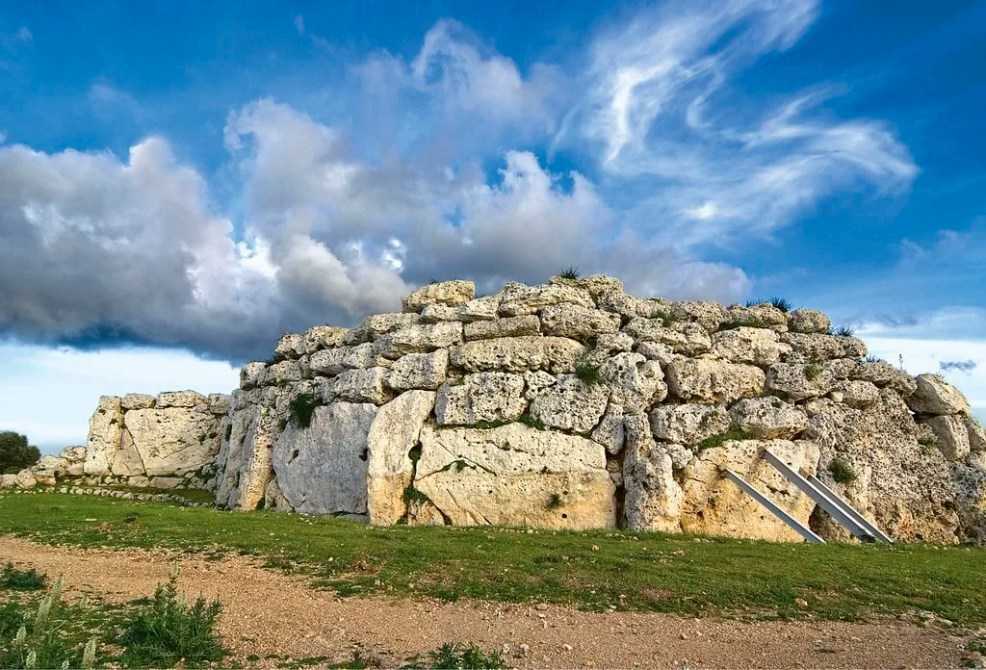 Things to do in Malta, Places to visit in Malta, Ggantija temples