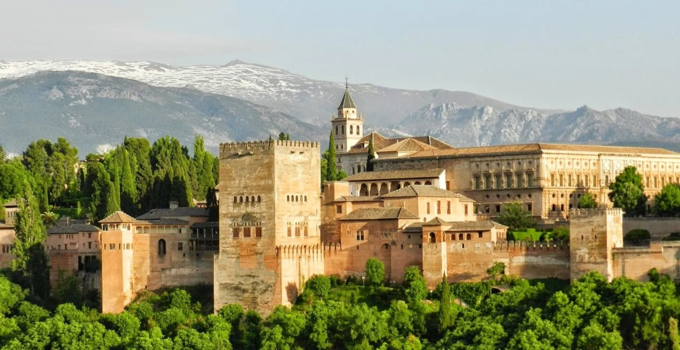 Alhambra Granada, Instagrammable places in Spain
